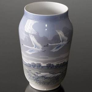 Vase with Flying Swans, Royal Copenhagen | No. R1955-1217 | DPH Trading