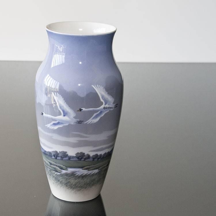 Vase With Swans Royal Copenhagen No R1955 137 Dph Trading