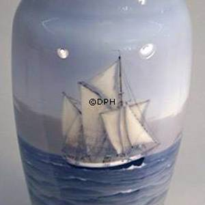 Vase with Sailing Ship, Royal Copenhagen | No. R1959-131 | DPH Trading