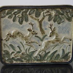 Stoneware plate with deer, Royal Copenhagen | No. R21732 | DPH Trading