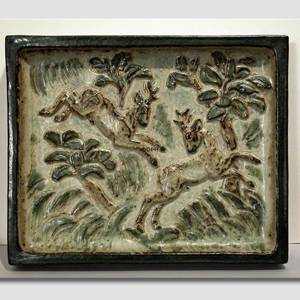 Stoneware plate with deer, Royal Copenhagen | No. R22031 | DPH Trading