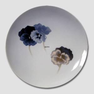 Plate with Pansy flower Royal Copenhagen No. 238 | No. R238 | DPH Trading