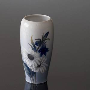 Vase with Marguerite and Harebell, Royal Copenhagen No. 2651-235 | No. R2651-235 | DPH Trading