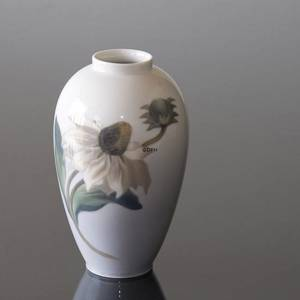 Vase with Blooming Flower, Royal Copenhagen No. 2680-47-7 | No. R2680-47-7 | Alt. 2680-47-C | DPH Trading