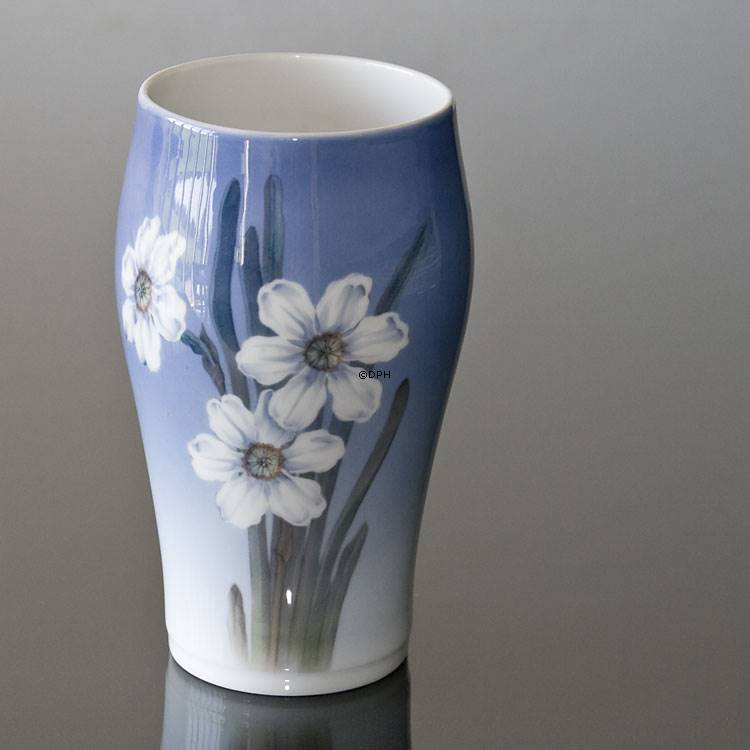 Vase With White Narcissus Royal Copenhagen No R2778 65 A Alt