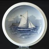 Bowl with Ship at Kronborg, Royal Copenhagen No. 2876-3606