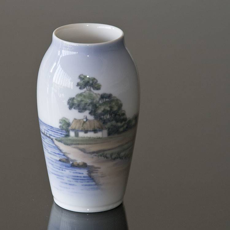 Vase With Beach And Small Cottage Royal Copenhagen No R2887 88 A