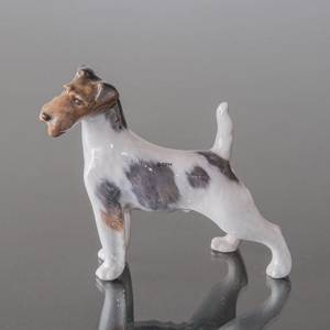 Wire-haired terrier standing at attention, Royal Copenhagen dog figurine No. 2967 | No. R2967 | DPH Trading