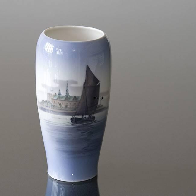 Vase With The Castle Of Kronborg Royal Copenhagen No R3430 Dph