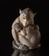 Pair of hugging monkeys, Monkey figurine, sitting, Royal Copenhagen