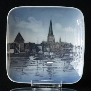 Bowl with Aarhus harbour, Royal Copenhagen | No. R4552 | DPH Trading