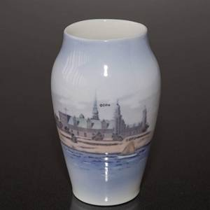 Vase with Kronborg Castle, Royal Copenhagen No. 4571