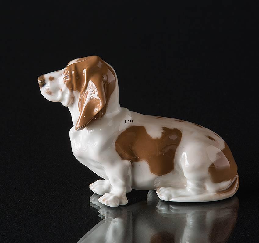 Basset Hound Royal Copenhagen Dog Figurine No R4616