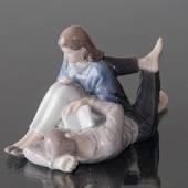 Teenagers reading closely together, Royal Copenhagen figurine No. 4649