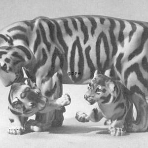 Tiger with cubs, Royal Copenhagen figurine