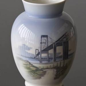 Vase with the New Little Belt Bridge, Royal Copenhagen | No. R4950 | DPH Trading