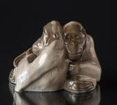 Orangutans hugging, Monkey figurine, sitting, Royal Copenhagen