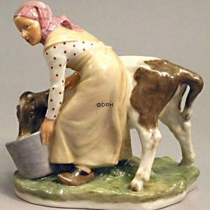 Girl with Calf, overglaze figurine Royal Copenhagen No. 779 | No. R779-O | Alt. R779-O | DPH Trading
