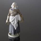 Milkmaid, Royal Copenhagen figurine No. 899