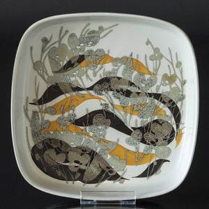 Faience dish with plant motif by Ivan Weiss, Royal Copenhagen No. 963-3775 | No. R963-3775-F | DPH Trading