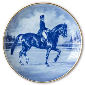 Ravn horse sports plate no. 1, Dressage Ulla Haakansson riding Elymus | No. RAHES01 | DPH Trading