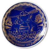 1979 Ravn Cobalt Blue Easter Plate Bunny Rabbits in Love