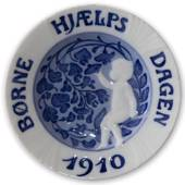 1910 Royal Copenhagen, Child Welfare Day plate
