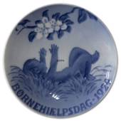 1924 Royal Copenhagen, Child Welfare Day plate