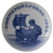 1929 Royal Copenhagen, Child Welfare Day plate
