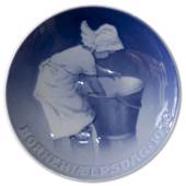 1930 Royal Copenhagen, Child Welfare Day plate