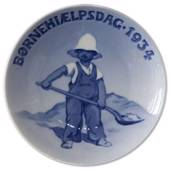1934 Royal Copenhagen, Child Welfare Day plate