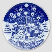 2001 Royal Copenhagen The Children's Christmas plate