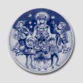 2002 Royal Copenhagen The Children's Christmas plate