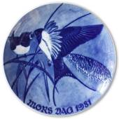 1981 Royal Heidelberg Mother's Day plate, Swallow with chick