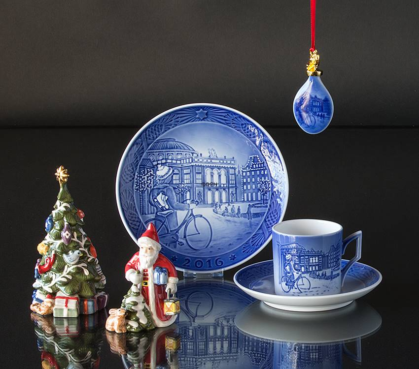 2016 royal copenhagen christmas cup ice skating in copenhagen - Royal Copenhagen Christmas Plates