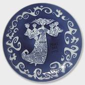 1972 Royal Copenhagen Mother's Day plate, Oriental Mother