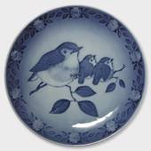1982 Royal Copenhagen Mother and Child plate, robin and fledglings