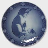 1983 Royal Copenhagen Mother and Child plate, cat with kitten