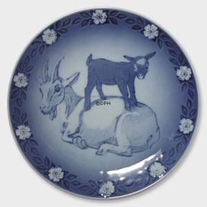 1987 Royal Copenhagen Mother and Child plate, nanny goat with kid | Year 1987 | No. RMB1987 | Alt. KMB870 | DPH Trading