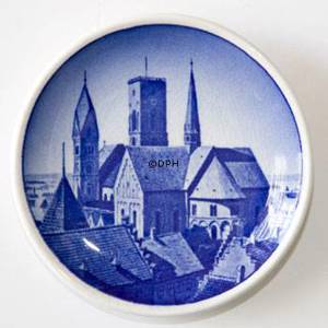 Royal Copenhagen Plaquette no. 29, Ribe Cathedral | No. RNR29-2010 | Alt. KNR800 | DPH Trading
