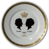1980 Royal Copenhagen Plate, Silhouette of Queen Ingrid and Queen Margrethe