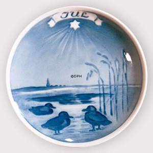 Royal Copenhagen Decorative Commemorative plate Ducks by the lakeside | No. RNR799 | DPH Trading