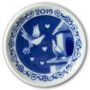 2019 Christmas plaquette, Doves of Peace, Royal Copenhagen | Year 2019 | No. RP2019 | Alt. 1027169 | DPH Trading