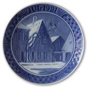 Old houses on the town square 1921, Royal Copenhagen Christmas plate