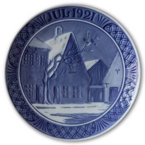 Old houses on the town square 1921, Royal Copenhagen Christmas plate | Year 1921 | No. RX1921 | Alt. 1901021 | DPH Trading