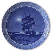 Schooner at sea Christmas night 1924, Royal Copenhagen Christmas platee