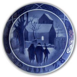 Reverend on his way to church 1928, Royal Copenhagen Christmas plate