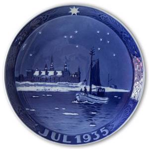 Fishing boat south of Kronborg Castle 1935, Royal Copenhagen Christmas plate | Year 1935 | No. RX1935 | Alt. 1901035 | DPH Trading