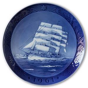 The training ship Danmark 1961, Royal Copenhagen Christmas plate | Year 1961 | No. RX1961 | Alt. 1901061 | DPH Trading