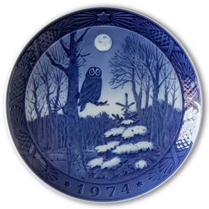 Winter Twilight 1974, Royal Copenhagen Christmas plate | Year 1974 | No. RX1974 | Alt. 1901074 | DPH Trading